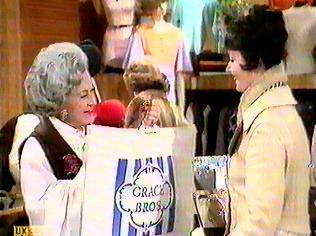 The Are You Being Served Gallery on YCDTOTV.de   Path: www.YCDTOTV.de/aybs_img/a1_10.jpg